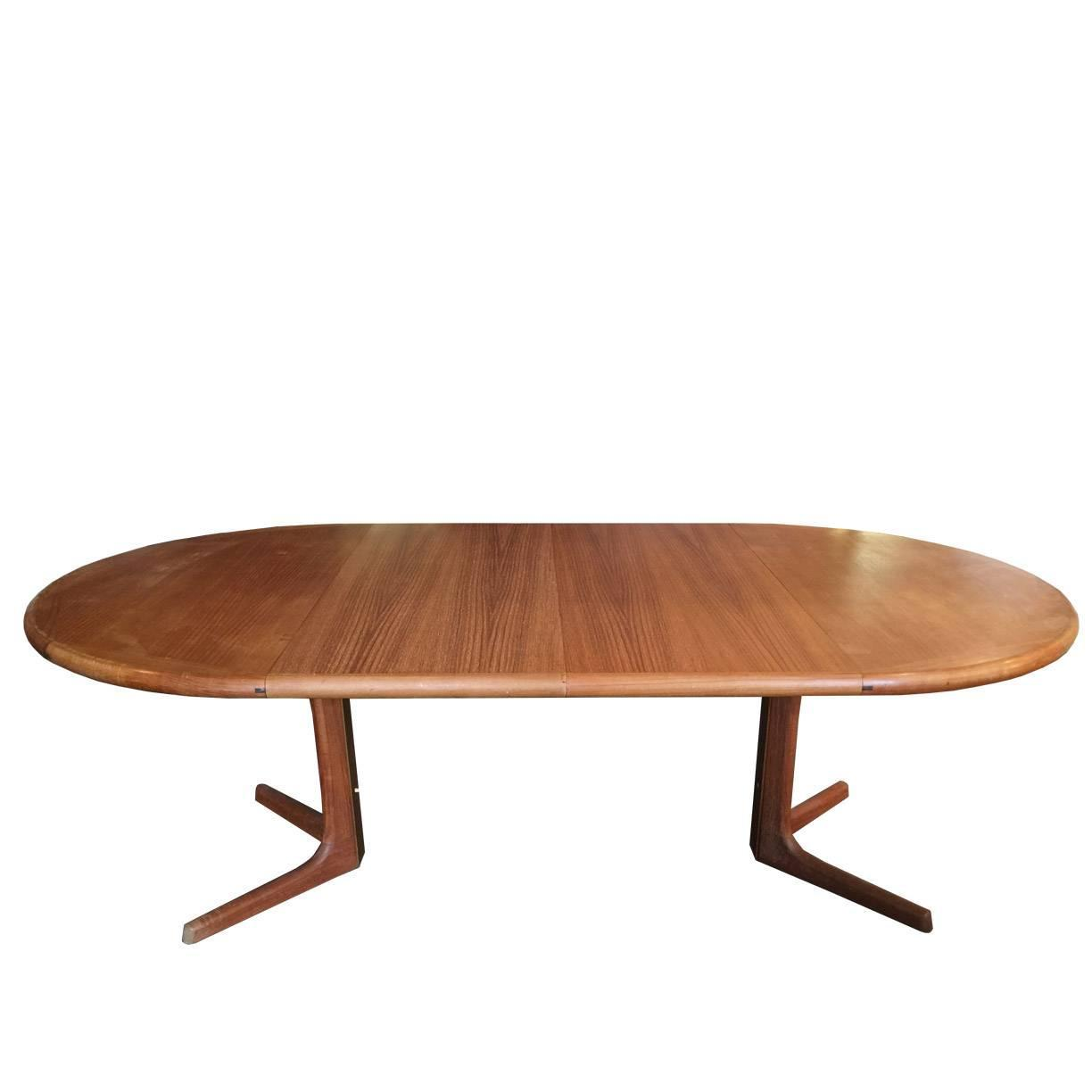Oval Danish Teak Dining Table by Drylund at 1stdibs : Teakdanishdiningtableorgz from www.1stdibs.com size 1224 x 1224 jpeg 36kB