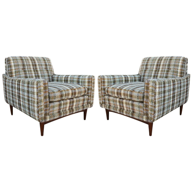 Sleek Pair of Mid Century Modern Lounge Chairs at 1stdibs