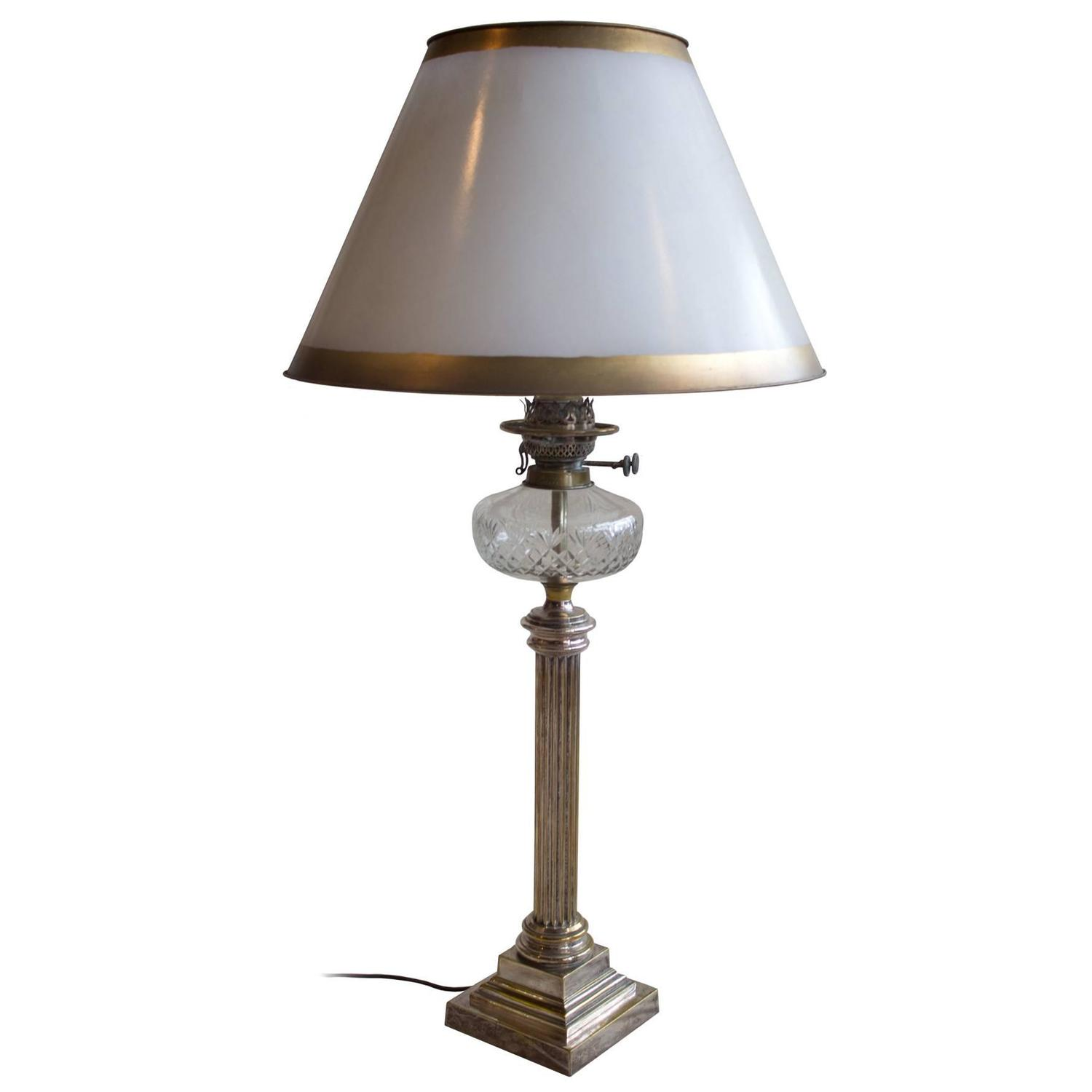 english victorian banquet lamp for sale at 1stdibs. Black Bedroom Furniture Sets. Home Design Ideas