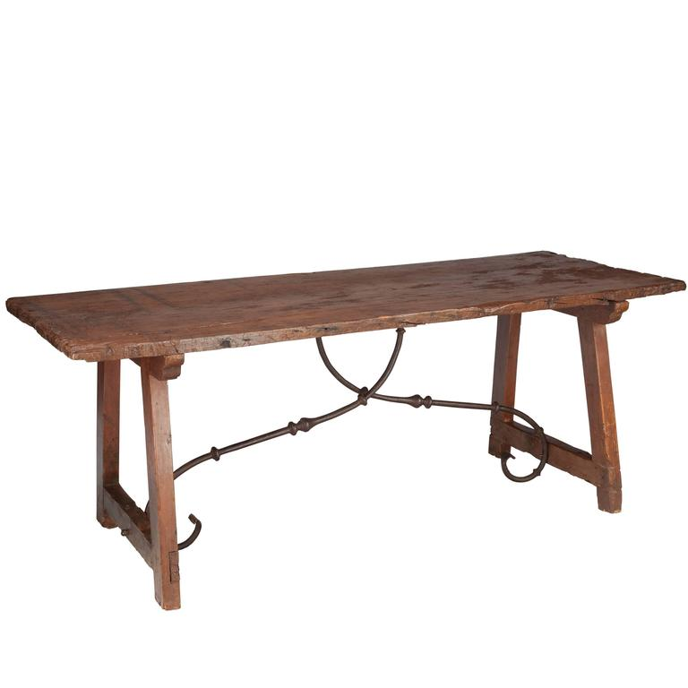 Spanish 17th-18th Century Refectory Dining Table For Sale