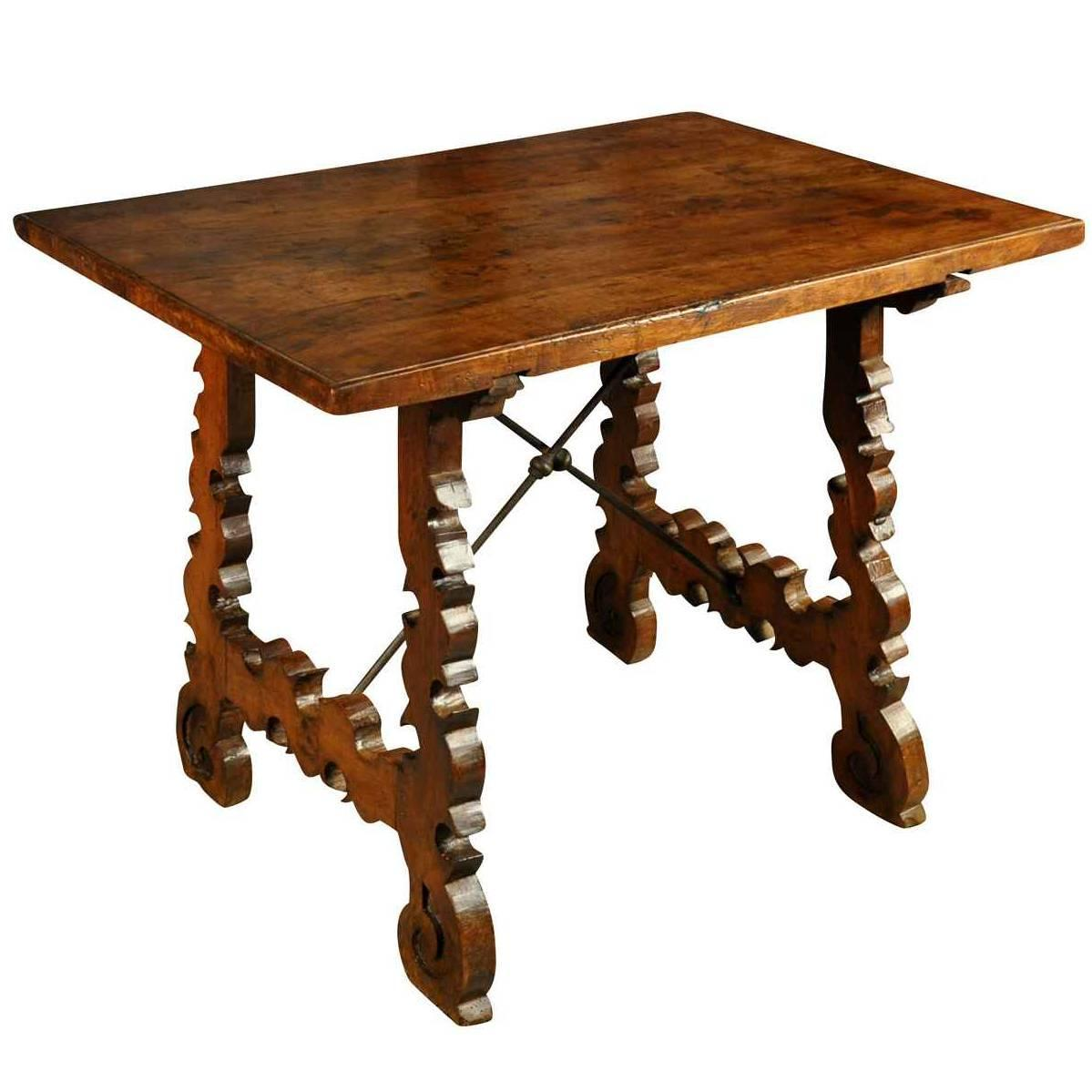 Spanish 18th century side table in walnut and iron at 1stdibs for Table in spanish