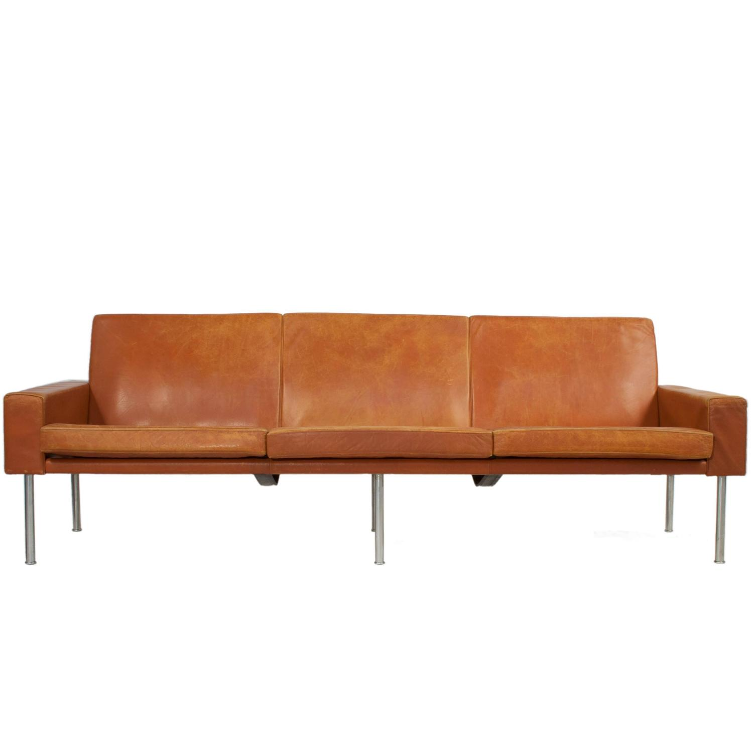 leather sofa by hans wegner at 1stdibs. Black Bedroom Furniture Sets. Home Design Ideas