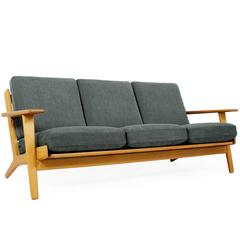 Hans J. Wegner Oak Sofa Mod. Ge 290 for Getama, 1960s Danish Modern Design