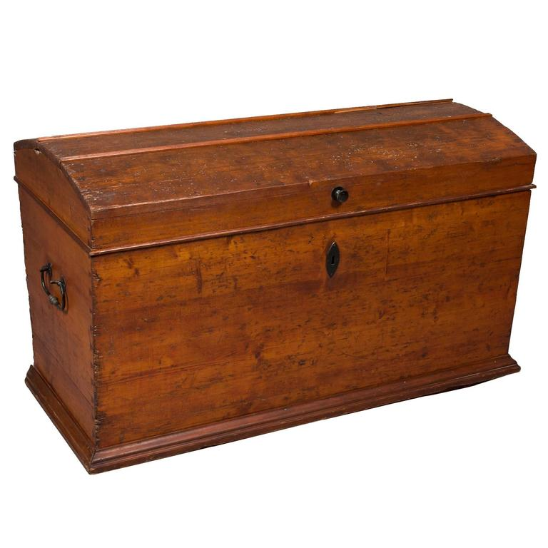 19th Century Pine Blanket Chest For Sale