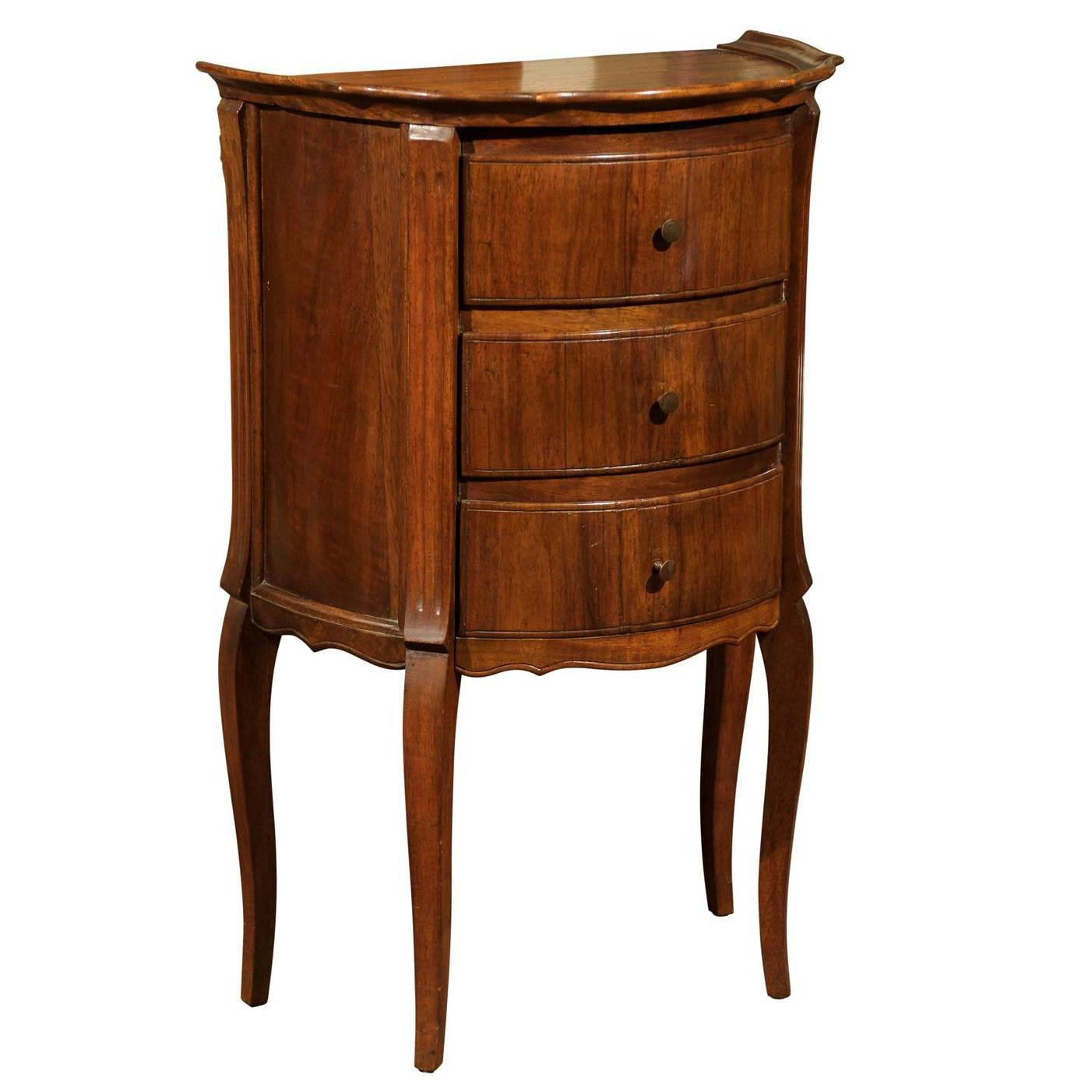 italian petite commode at 1stdibs. Black Bedroom Furniture Sets. Home Design Ideas