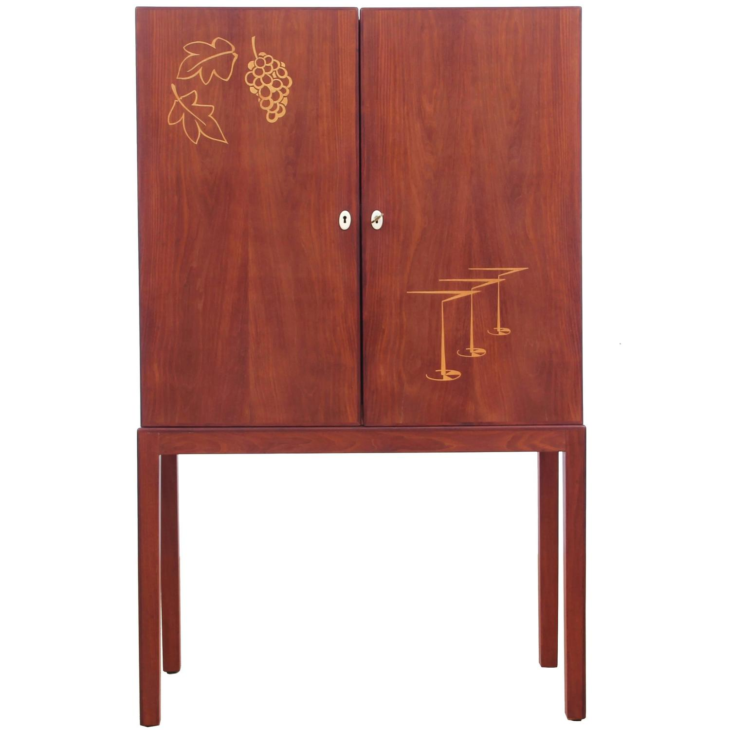 Mid century modern bar cabinet in teak for sale at 1stdibs for Modern teak kitchen cabinets