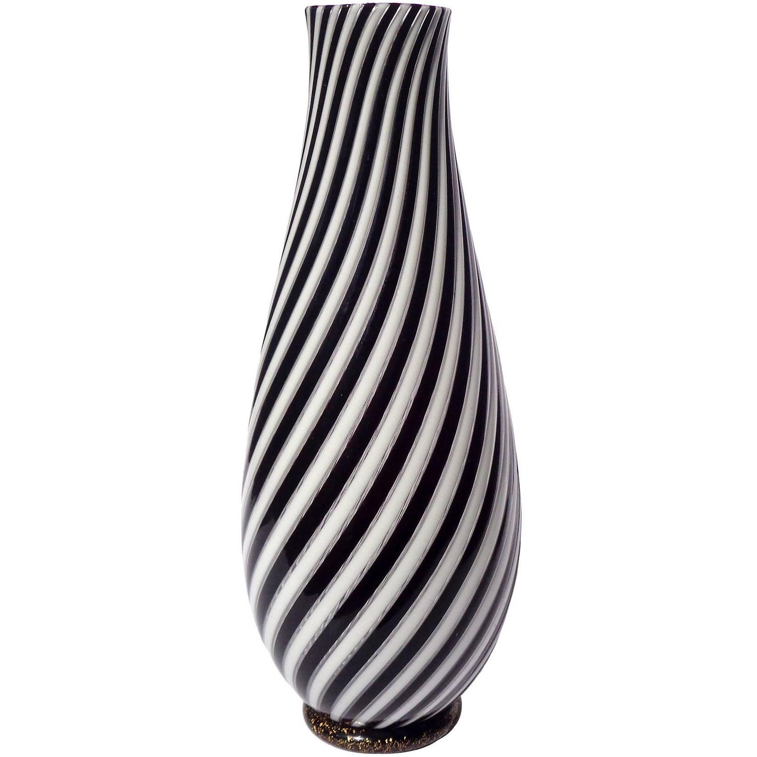 Black And White Vases | Home design ideas on gold sg, gold post, gold lv, gold mc, gold greenland, gold ad, gold cat, gold co, gold na, gold ax,