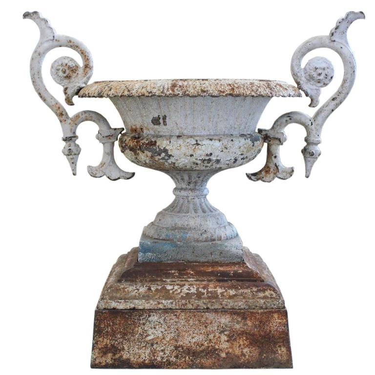 Large 19th century cast iron garden urn at 1stdibs - Large decorative vases and urns ...