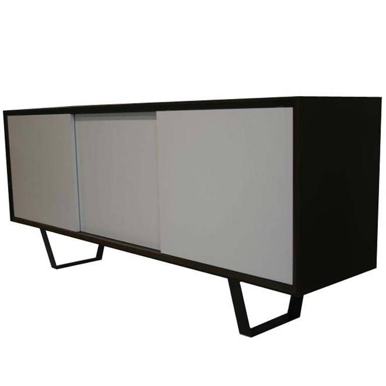 Yoon Sliding Door Console