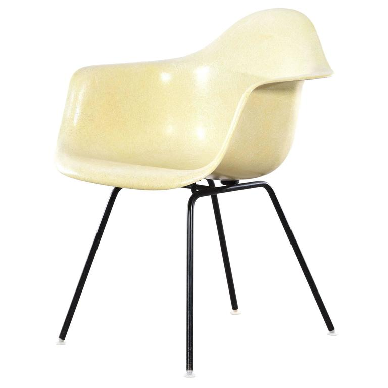 Exceptionnel Eames Lemon Yellow DAX Dining Chair For Herman Miller For Sale