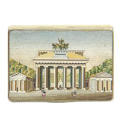"""Brandenburg Gate,"" Tortoise Shell, Gold Snuff Box and Micromosaic, 18th Century"