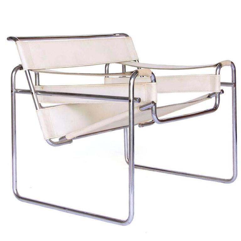 Exceptionnel 1925, Marcel Breuer, White Leather Vintage Wassily Chair For Sale