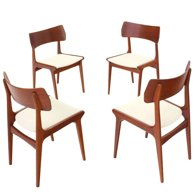 Wondrous Set Of Four Danish Mid Century Modern Teak Dining Chairs Bralicious Painted Fabric Chair Ideas Braliciousco