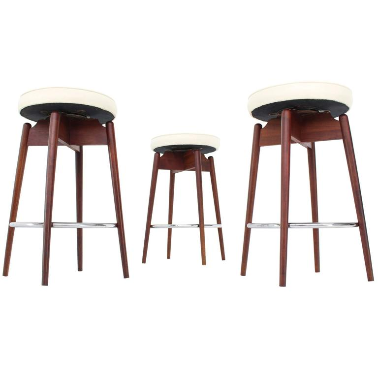 Three Mid-Century Modern Walnut Bar Stools at 1stdibs