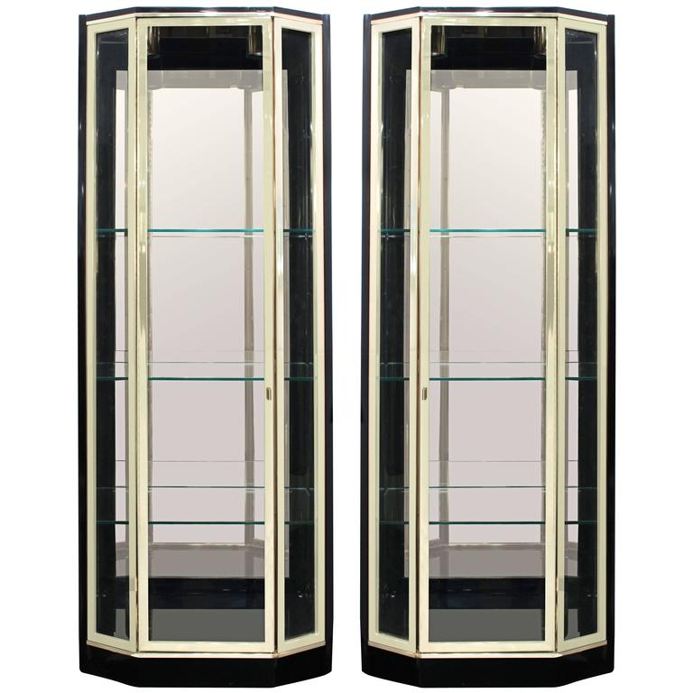 pair of luxurious illuminated tag re by henredon for sale. Black Bedroom Furniture Sets. Home Design Ideas