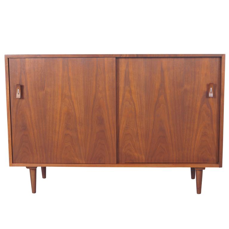 vintage walnut sideboard by stanley young at 1stdibs. Black Bedroom Furniture Sets. Home Design Ideas