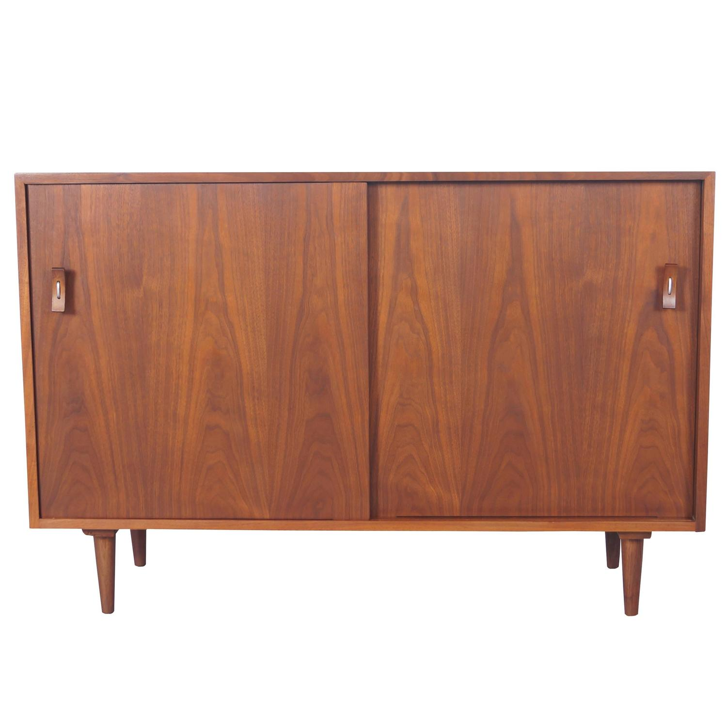 vintage walnut sideboard by stanley young for sale at 1stdibs. Black Bedroom Furniture Sets. Home Design Ideas