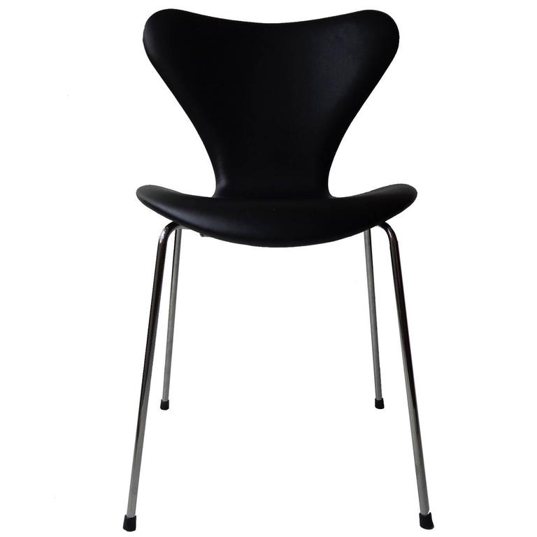 Arne Jacobsen Seven Chair, Model 3107 in Original Black Leather by Fritz Hansen 1