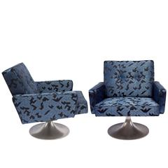 Pair of 1970s Swivel Chairs Upholstered in Nobilis Origami Fabric