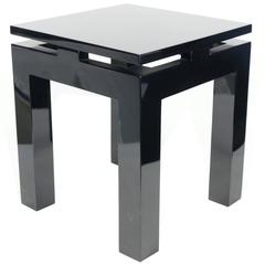 Nice Pair of 1980s Oriental Style End-Tables, Black Lacquered Wood