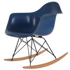 Mid-Century Eames Herman Miller Fiberglass Rocking Lounge Chair in Royal Blue