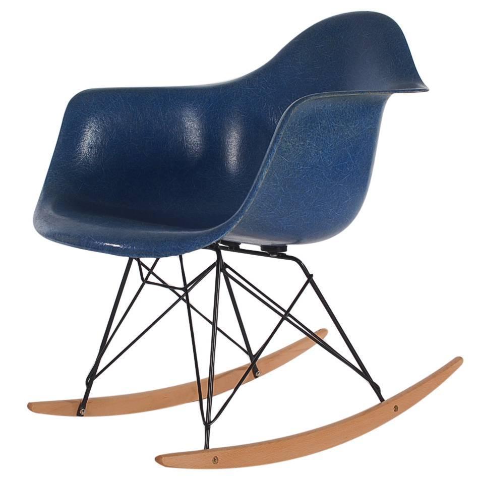 mid century eames herman miller fiberglass rocking lounge. Black Bedroom Furniture Sets. Home Design Ideas