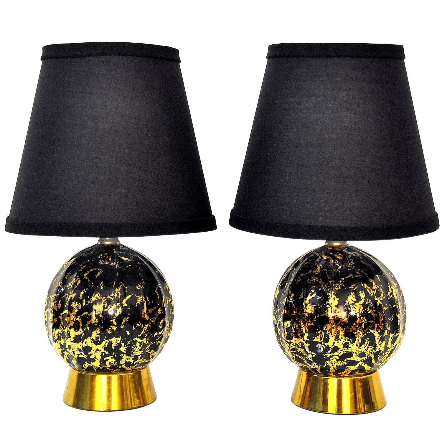 pair of hollywood regency black and gold table lamps at 1stdibs. Black Bedroom Furniture Sets. Home Design Ideas
