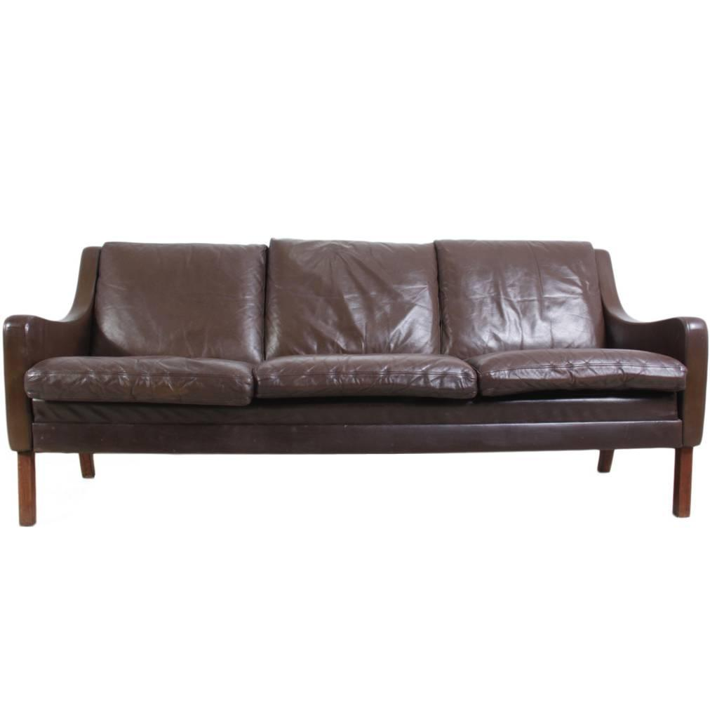 Mid century leather sofa circa 1960 at 1stdibs for Mid century modern leather sofa