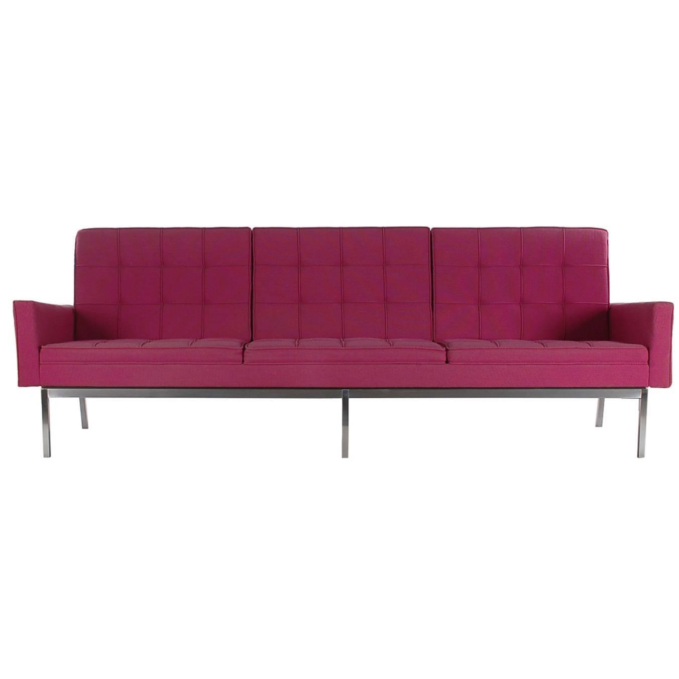 Florence Knoll for Knoll Mid-Century Modern Sofa in Fuchsia