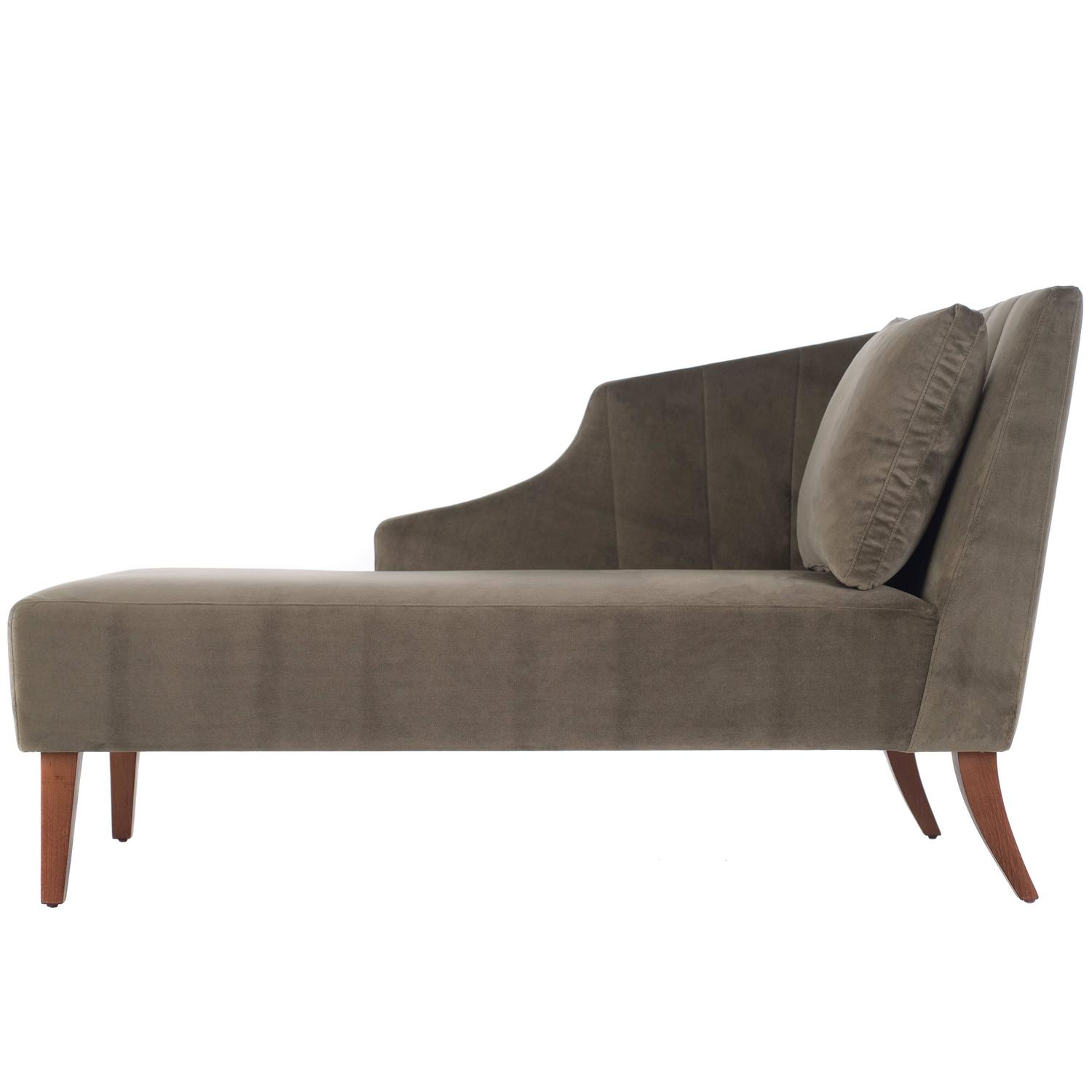 Italian modern grey velvet and ash classic chaise longue for Chaise longue chilienne