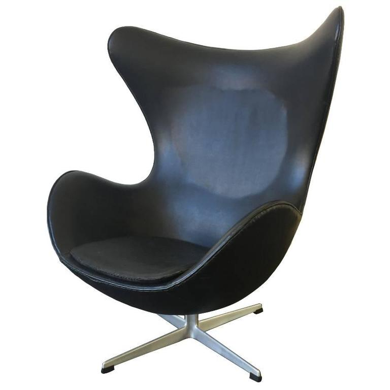 first edition arne jacobsen egg chair in good original condition for sale at 1stdibs. Black Bedroom Furniture Sets. Home Design Ideas