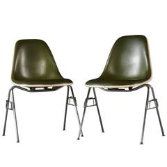 model dss chair by charles and ray eames charles and ray eames furniture