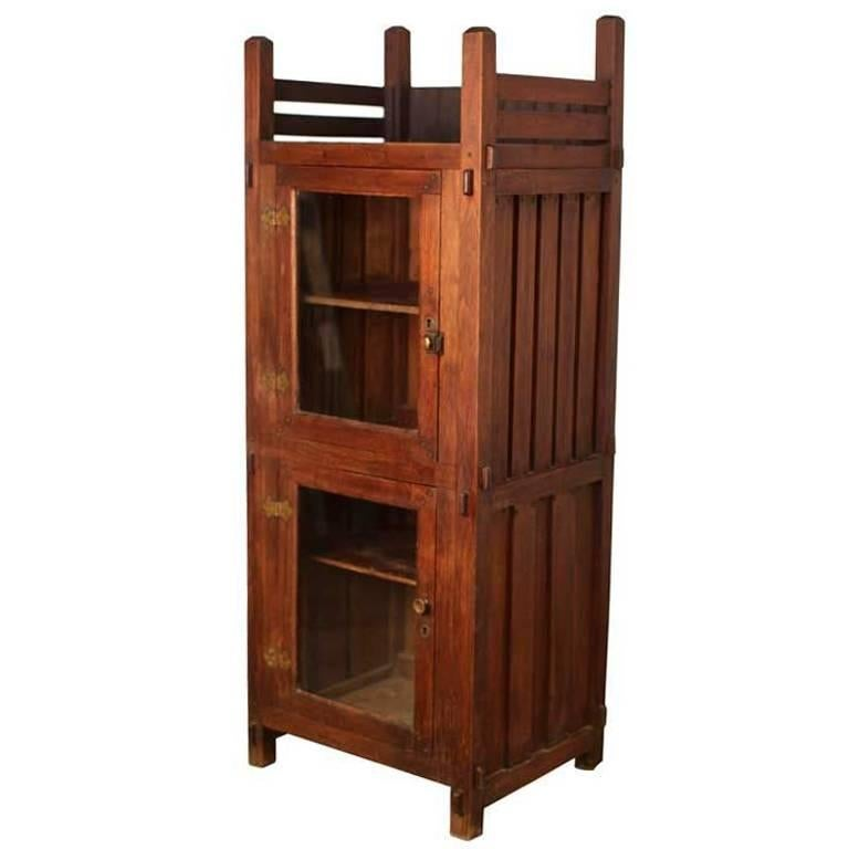 Stunning Arts & Crafts Oak Display Cabinet