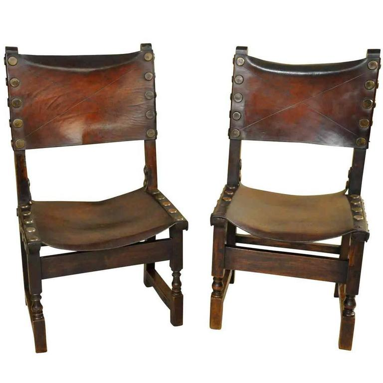 Beau Pair Of 17th Century Spanish Leather Chairs For Sale