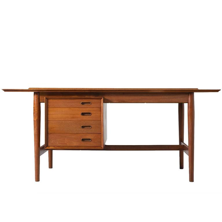 Arne Vodder Desk in Teak for Sibast Mobler at 1stdibs
