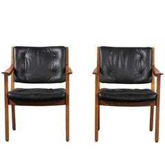 Pair of 1940s American Armchairs Stamped W.H. Gunlocke Chair Co.