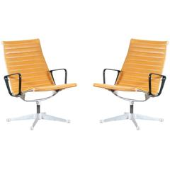 """Charles & Ray Eames """"Aluminum Group"""" Tan Color Lounge Chairs for Herman Miller"""