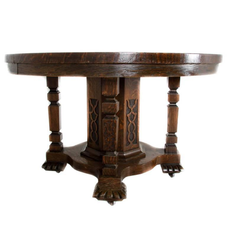 Elegant Single Pedestal Round Oak Dining Table For Sale