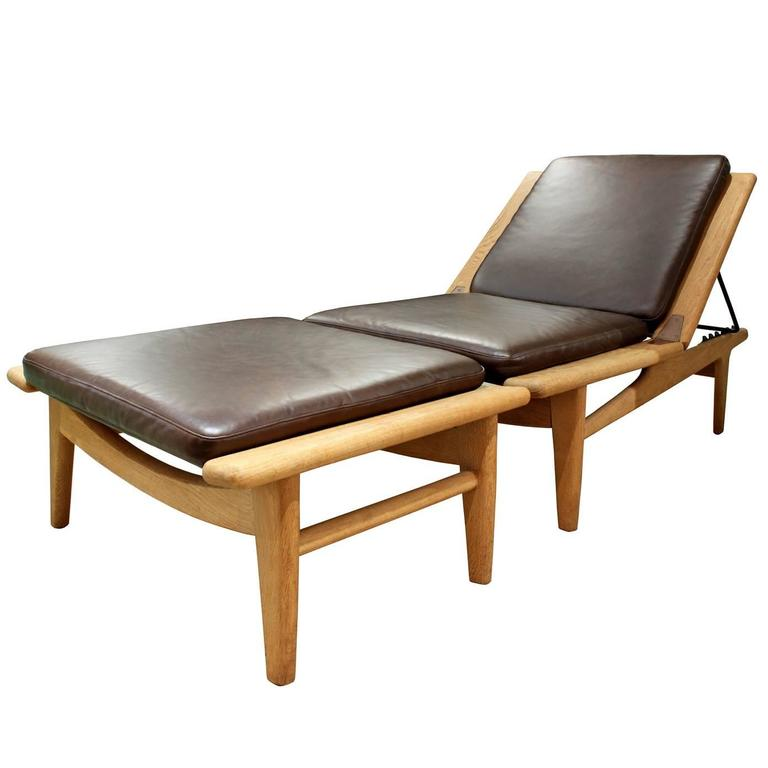 meticulously crafted two piece chaise by hans wegner for sale at 1stdibs. Black Bedroom Furniture Sets. Home Design Ideas