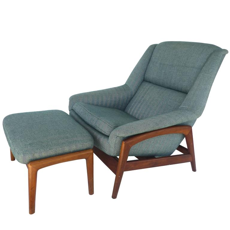 Dux Reclining Lounge Chair And Ottoman For