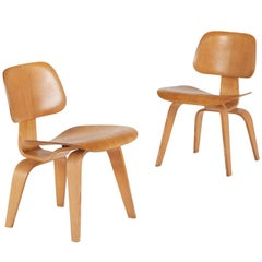 Evans Rare 1940s DCW Molded Plywood Chairs by Charles and Ray Eames
