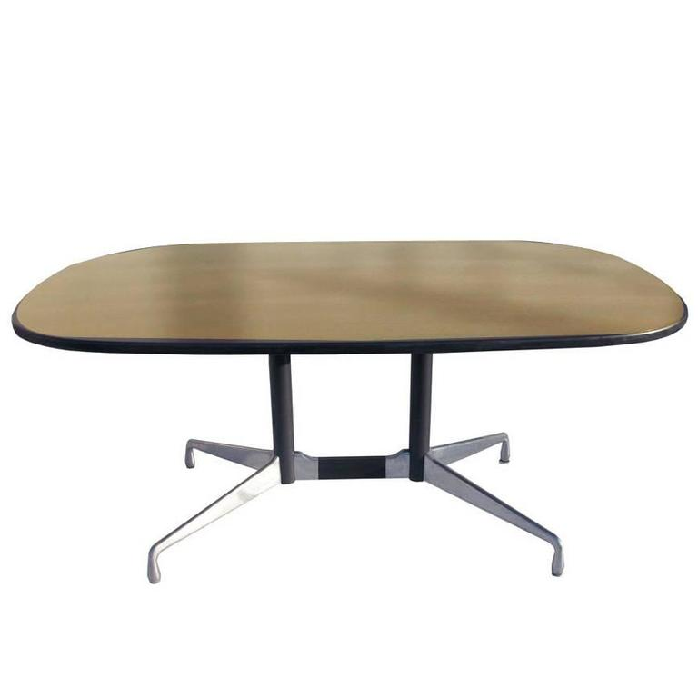herman miller eames veneer racetrack dining table sale at 1stdibs. Black Bedroom Furniture Sets. Home Design Ideas