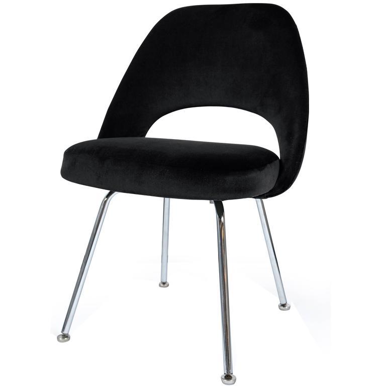 Saarinen Executive Armless Chairs in Noir Velvet