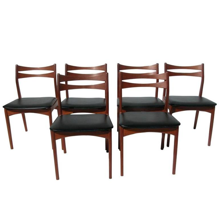 Vintage danish modern teak dinning chair for sale at 1stdibs for Danish dining room chairs