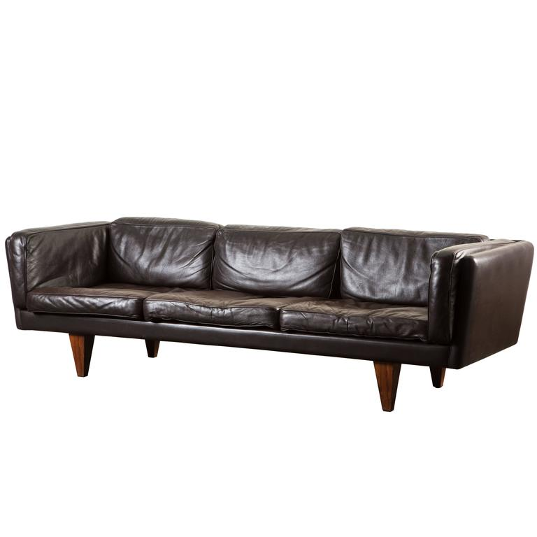 Leather and Rosewood Sofa by Illum Wikkelsø
