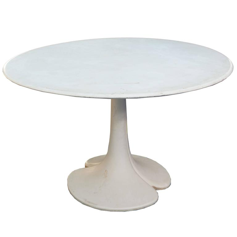French Tulip Style Dining Table With Round Top And Tapering Pedestal 1