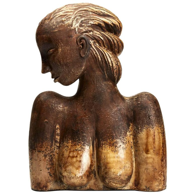 Large Continental Sculptural Pottery Bust, 20th Century For Sale