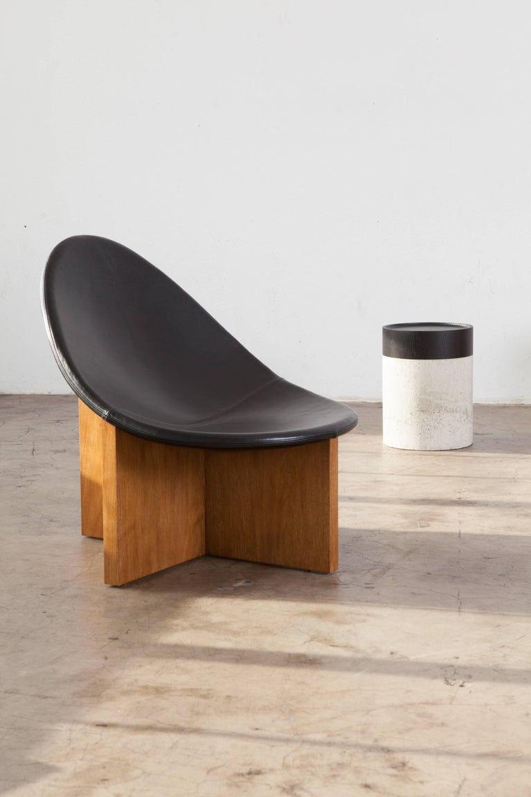 Wood Nido Lounge Chair in Solid Walnut and Black Leather Seat by Estudio Persona For Sale