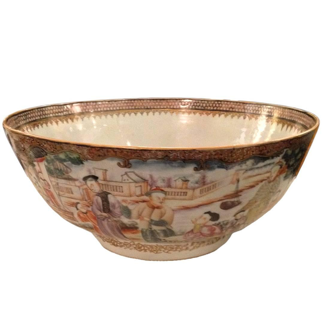 Chinese Export Qing Qianlong Famille Rose Medallion Porcelain Bowl