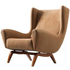 Illum Wikkelsø '110' Lounge Chair in Teak and Liver Colored Upholstery